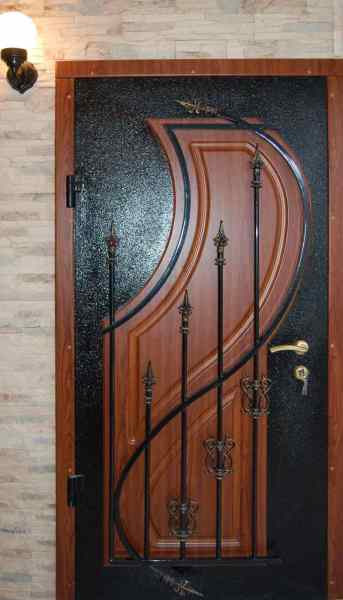 what kind of paint to use for exterior metal door